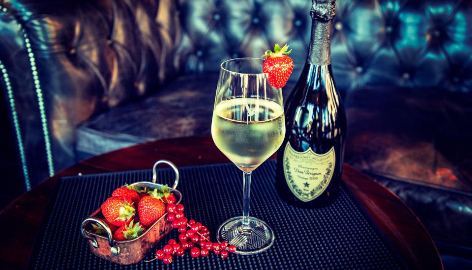 champagne dom perignon au Churchill restaurant Toulon