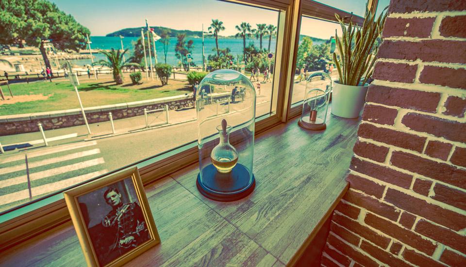 Sortir et manger à Toulon vue mer