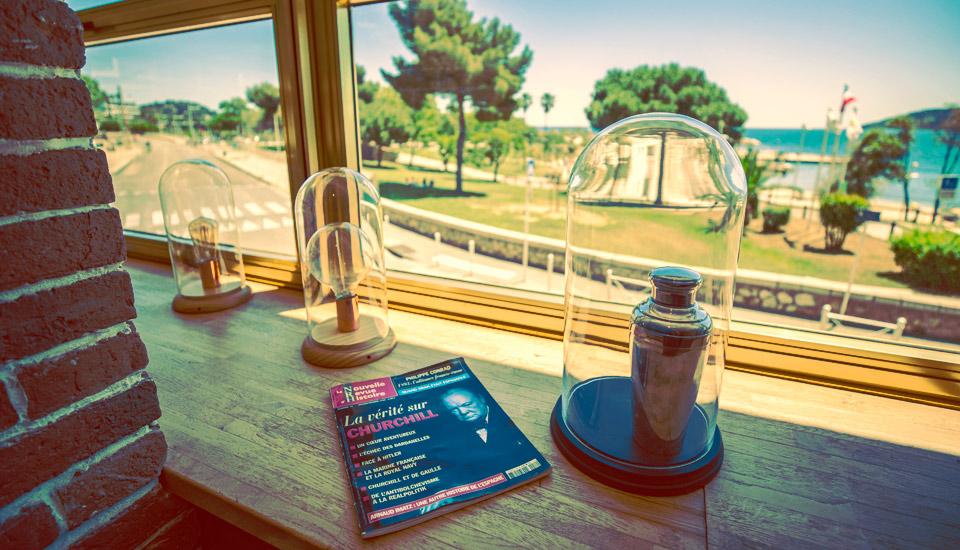 Restaurant bar à cocktail en bord de mer à Toulon au mourillon